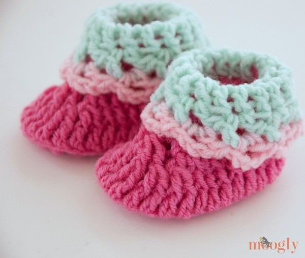 Free Pattern] 10 Quick and Easy Crochet Baby Booties - Knit And ...