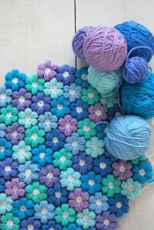 [Free Pattern] Cute 6 Petal Puff Stitch Crochet Flower Baby Blanket