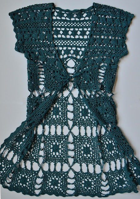 [Free Pattern]  Beautiful Long Crochet Vest