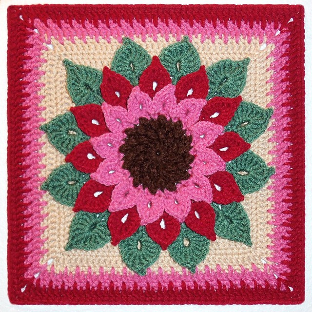 Paid Pattern] This Gorgeous Crocodile Flower Crochet Square Looks ...