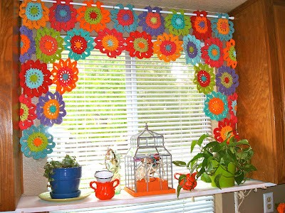 [Free Patterns] 8 Beautiful And Easy To Crochet Curtain Patterns For Kitchen