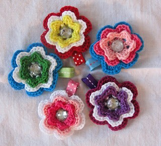 [Free Patterns] 6 Awesome Crochet Flower Hair Accessories