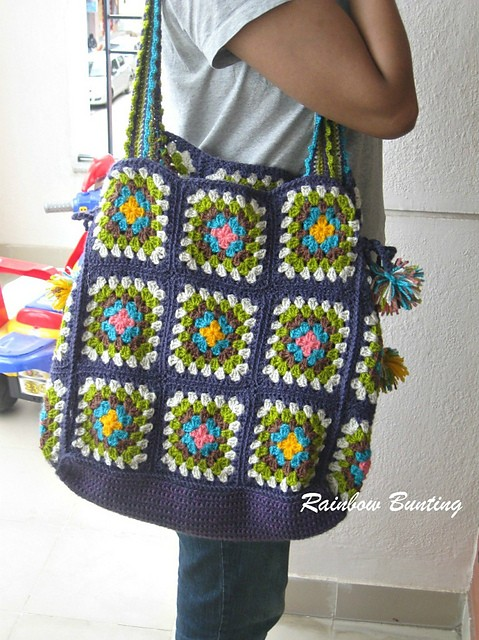 Free Pattern] Make Your Own Crochet Granny Square Bag - Knit And ...