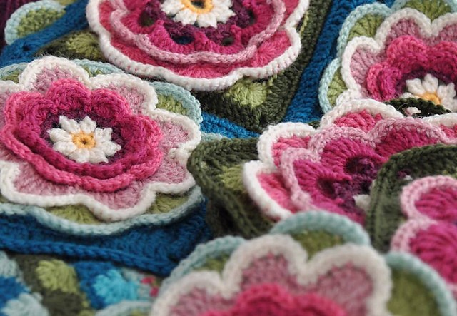 [Free Pattern] Romantic Lily Pond Crochet Blanket