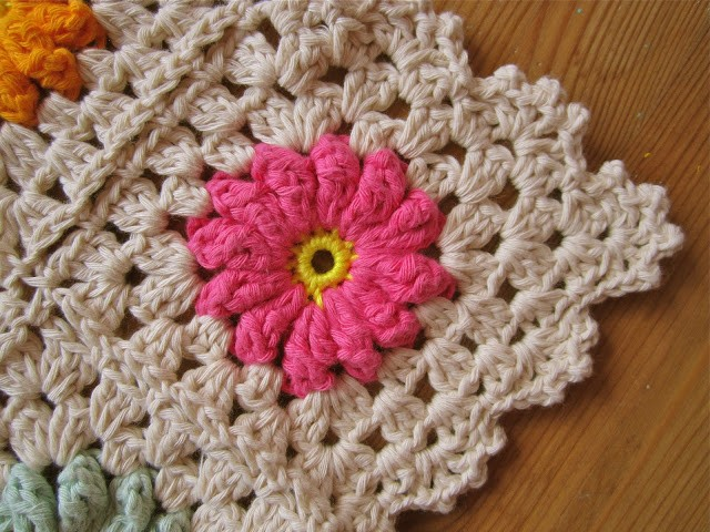 Photo Tutorial Crochet Flower Granny Square Pattern