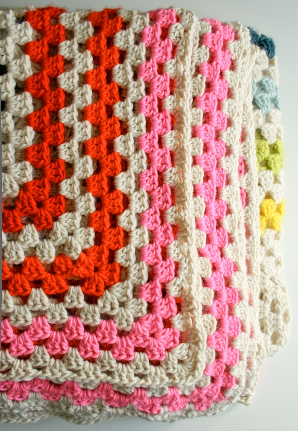 Knitting Granny Square Blanket : Free pattern this blanket is simply an enormous granny