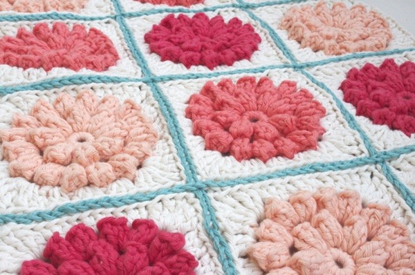 Free Crochet Pattern Websites : Free Pattern] Pretty Granny Square Crochet Pattern