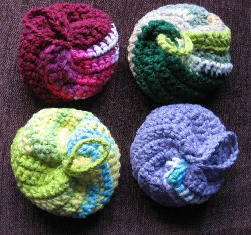 [Video Tutorial] Super Easy, Super Fun Spiral Crochet Scrubbies