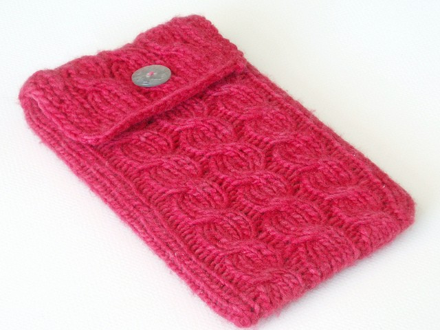 Cabled Kindle Sleeve by haramis designs