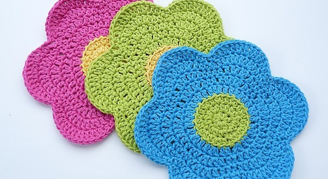 Free Pattern Hippie At Heart Try This Flower Power Dishcloth