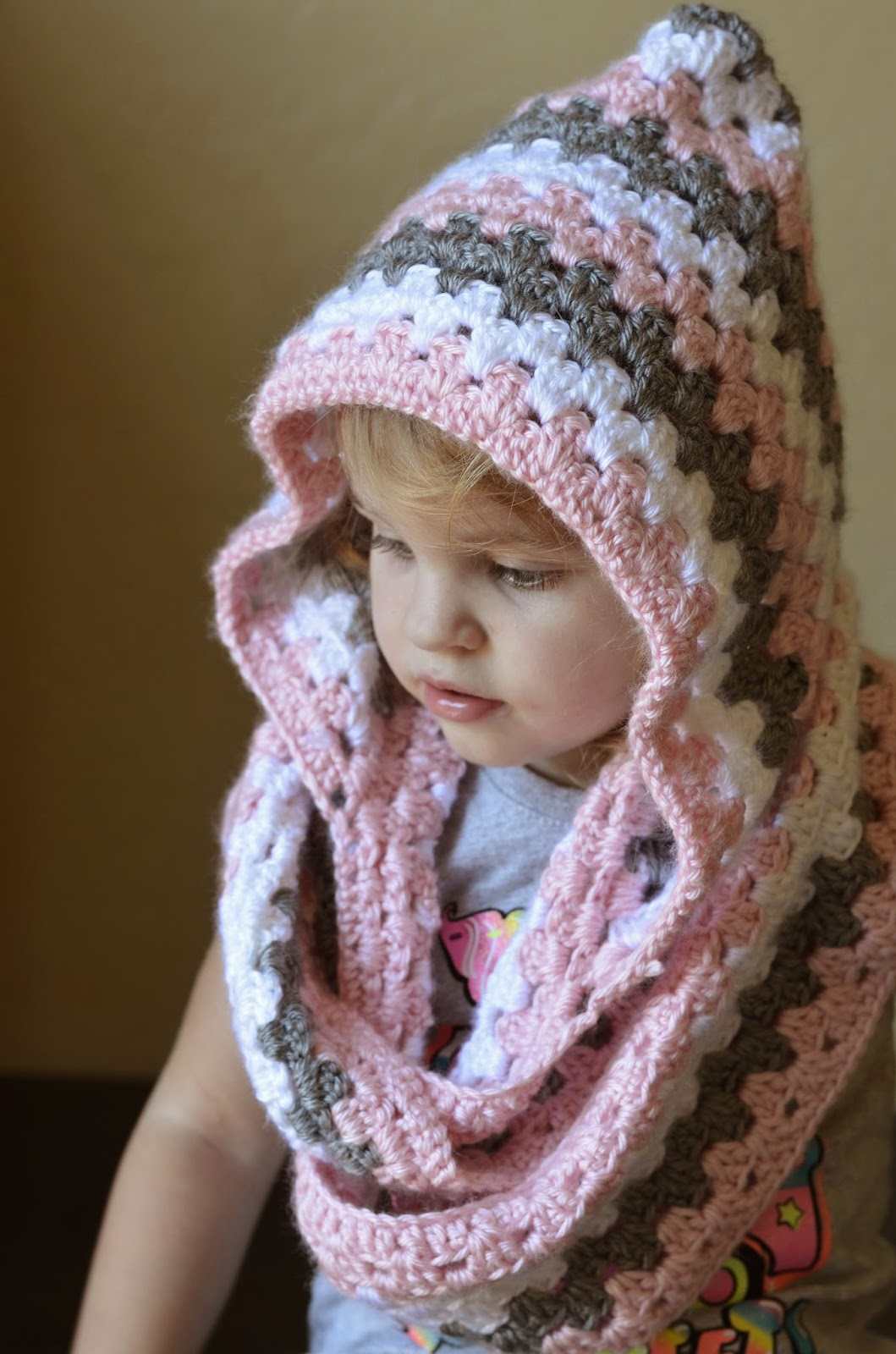Free Pattern This Cute Hooded Cowl Will Get You ...