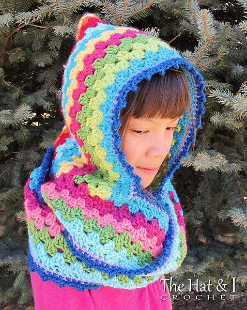 [Free Pattern] This Cute Hooded Cowl Will Get You Compliments Whenever You Wear It!