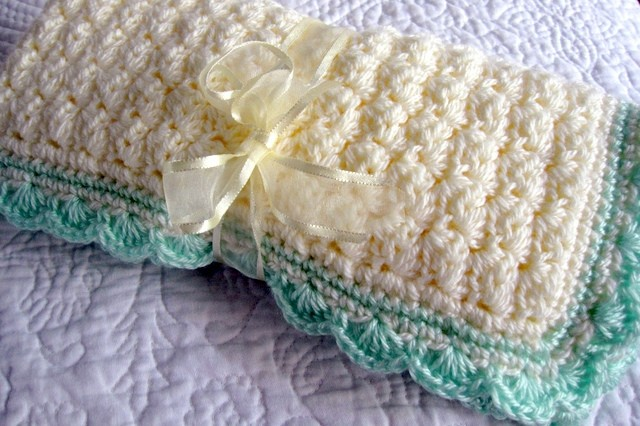 Free Pattern If Youre Looking For A Quick And Easy Baby Blanket
