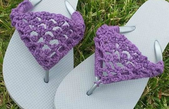 Free Pattern] Spruce Up Your Old Flip Flops With This Adorable Cool Crochet Flip Flop Pattern