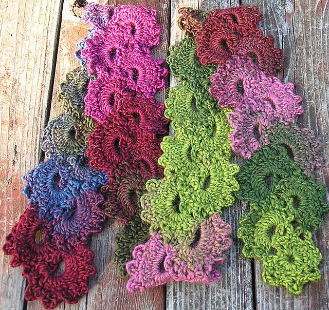 Free Crochet Pattern Queen Anne Lace Scarf : [Free Pattern] Stay Stylish With This Crocheted Fashion ...