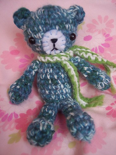[Free Pattern] Adorable Tiny Amigurumi Bear - Knit And ...