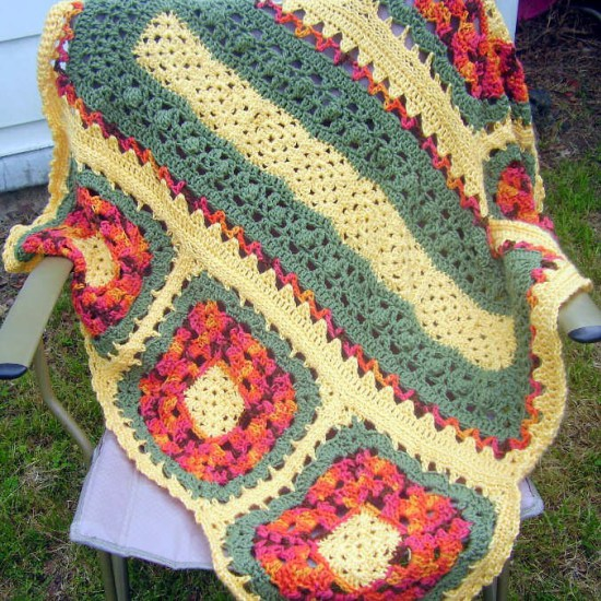 ... Flower Not-So-Typical Granny Square Afghan - Knit And Crochet Daily