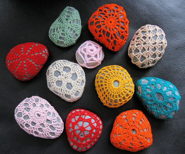 crochet around a stone