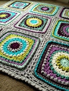 [Free Pattern] Falling In Love With This Gorgeous Textured Circles Blanket Pattern