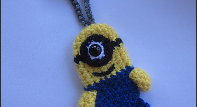 Free Pattern This Tiny Minion Luggage Or Backpack Tag Is So Cute