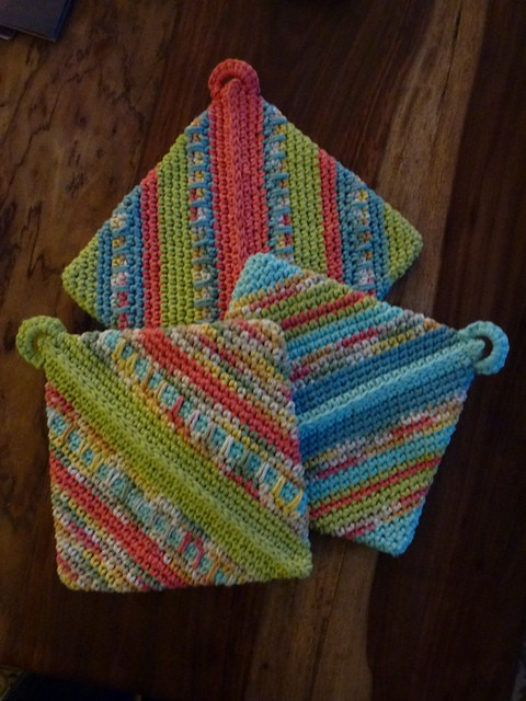 [Free Pattern] Grandma's Hotpats: The Flat Out Best Potholders Ever!