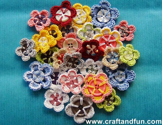 Photo Tutorial These Crochet Flower Buttons Are So Easy