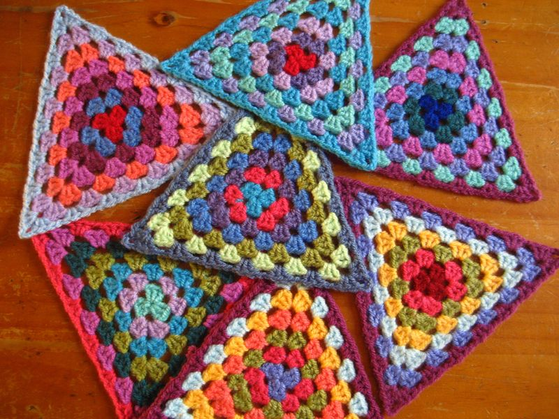 Free Pattern] These Granny Triangles Are Quick And Easy To Make And ...