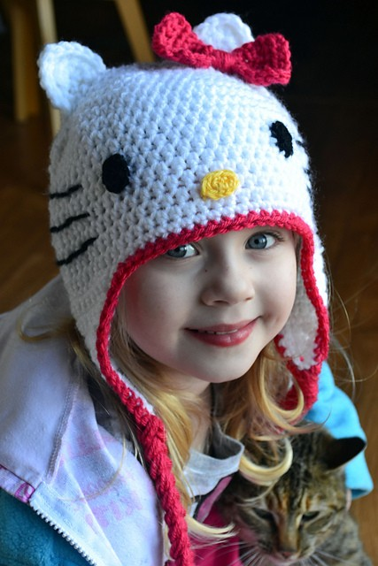 Free Pattern  Adorable Hello Kitty Hat - Knit And Crochet Daily c67aa62a697