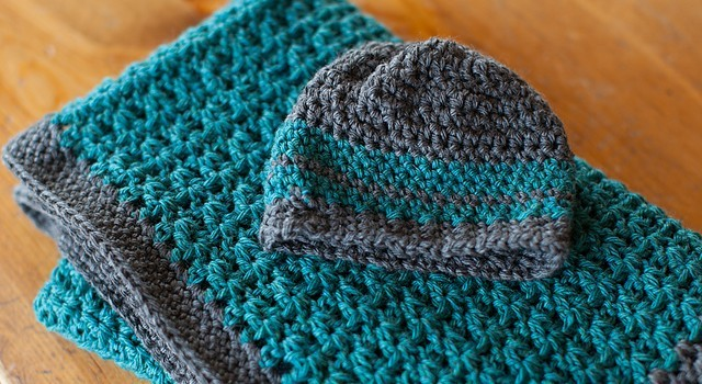 Free Pattern This Baby Blanket And Hat Set Is So Simple Yet