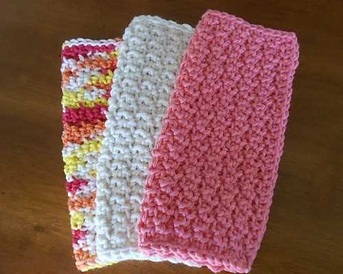 [Free Pattern] This Super Simple Dishcloth Pattern Makes A Fairly Tight-Weave Cloth With Just A Hint Of Texture