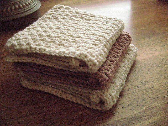 [Free Pattern] Quick & Easy, Knit and Crochet Dishcloth Pattern