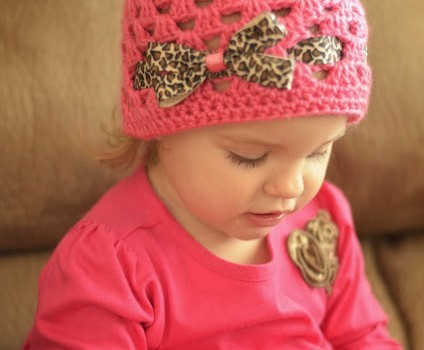 Video Tutorial  This Fall Winter Crocheted Granny Square Hat Looks So  Great! 255c3eaae4f