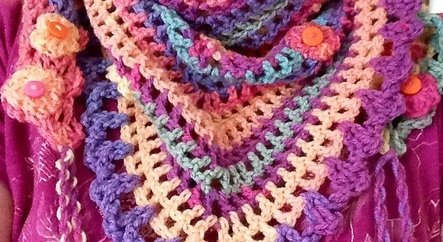 Free Pattern] This Crochet Scarf Is Amazing! - Knit And Crochet Daily