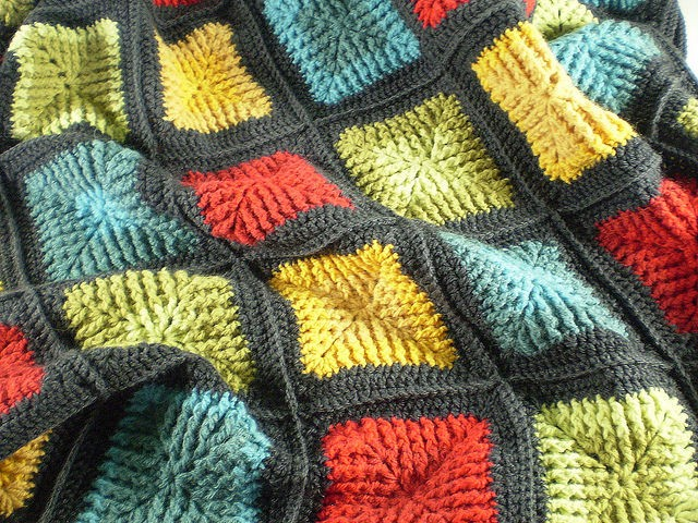 [Free Pattern] Amazing Shaded Squares Blanket