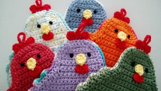 Free Pattern Adorable Little Chicken Potholder To Brighten Up Your
