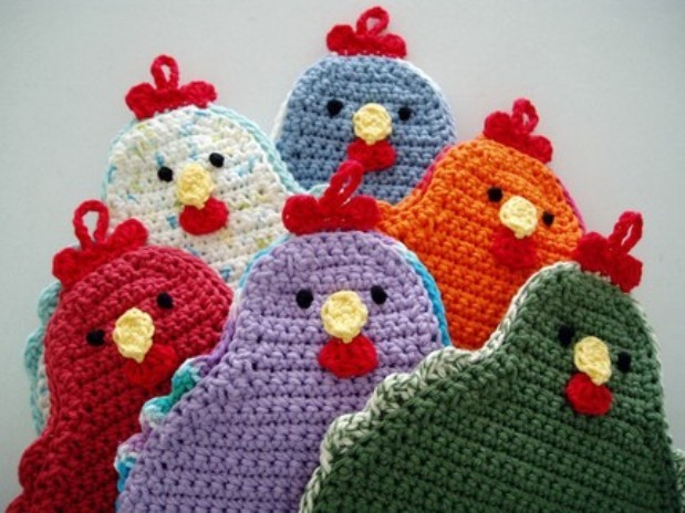 [Free Pattern] Adorable Little Chicken Potholder To Brighten Up Your Kitchen!