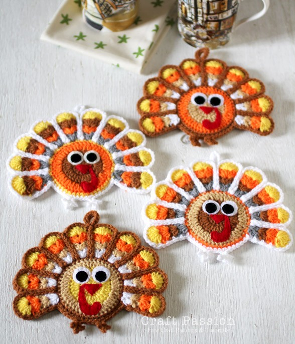 [Free Pattern] These Are The Cutest Crochet Turkey Coasters I've Ever Seen!