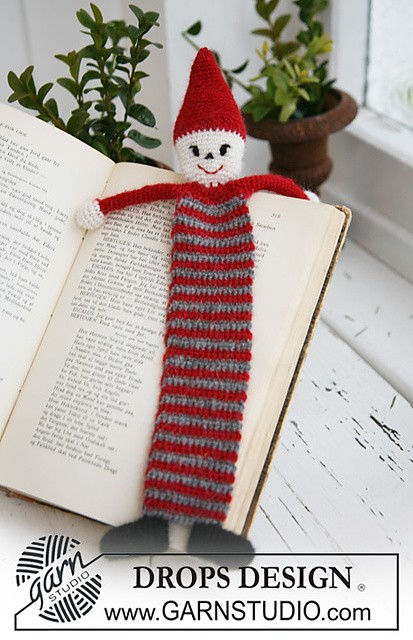 Crochet Santa bookmark by DROPS design
