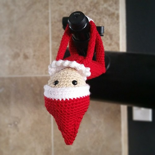 Knitting Pattern For Elf On The Shelf : [Free Pattern] Bring Christmas Magic To Your Family With This Super-Cute Elf ...