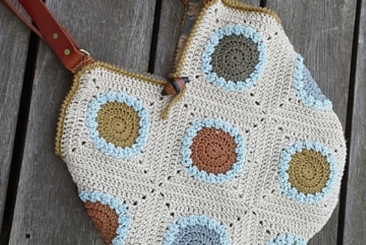 Crochet Easter Bag Pattern : [Free Pattern] Everyday Tote Bag With A Stylish Granny ...
