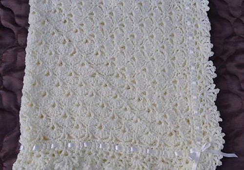 Daily Crochet Com : Free Pattern] Very Easy FanTail Baby Blanket With Unique Stitch ...