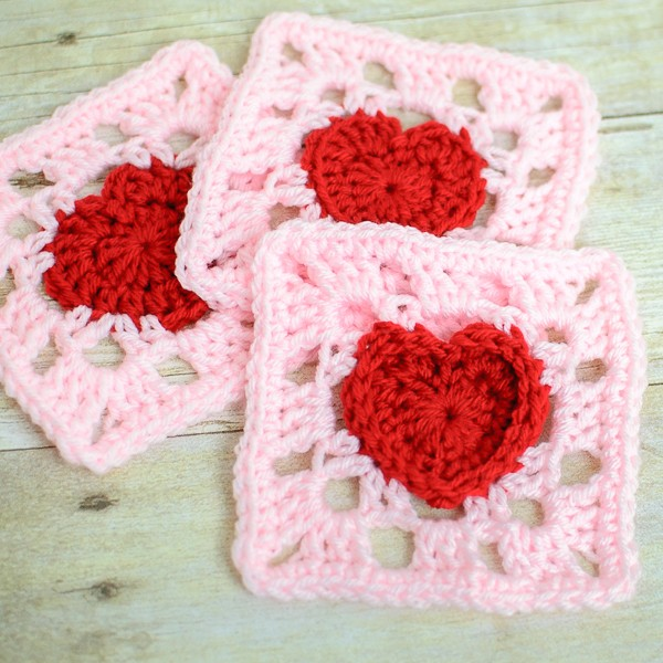 [Free Pattern] Cutest Heart Granny Square Ever
