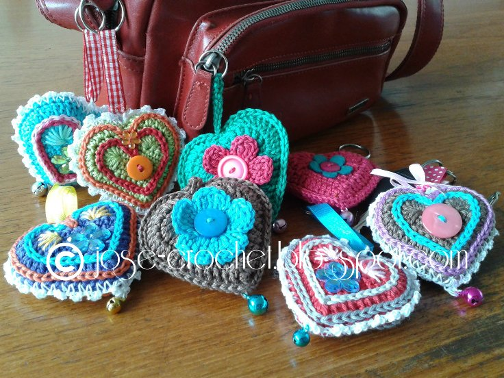 Free Pattern] The Most Adorable Crochet Heart Keychain Ever! - Knit ...