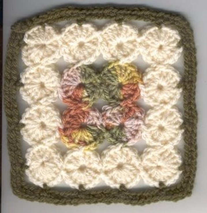... 16-Circles Square With Unusual Construction - Knit And Crochet Daily