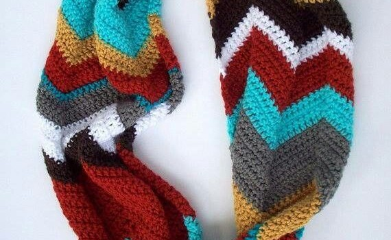 Free Pattern] This Chevron Infinity Scarf Is One Of The Most Fun And Simple Chevron Scarf Knitting Pattern