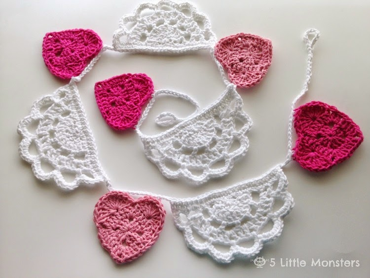 Free Crochet Pattern For Heart Doily : [Free Pattern] Adorable Crochet Doily Bunting With Hearts ...
