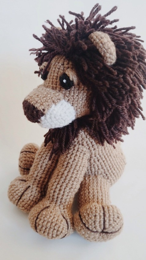 Amigurumi To Go Lion : [Free Pattern] This Little Lion Amigurumi Will Steal Your ...