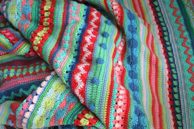 mixed-stitch-stripey-blanket-crochet