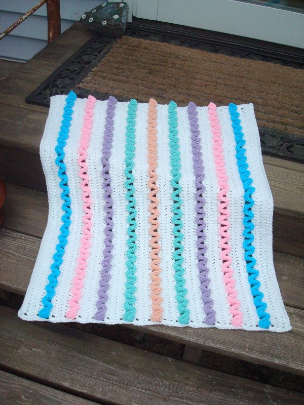 Free Crochet Patterns For Baby Pram Blankets : [Free Pattern] This Wiggles Preemie Baby Blankie Is One Of ...