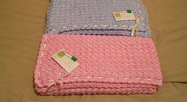 Puffy Crochet Baby Blanket Pattern : [Free Pattern] Soft, Puffy And Warm This Bubbles Baby ...